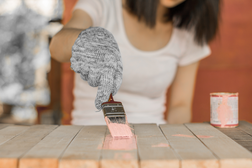 Conseils en relooking de table en bois ancienne